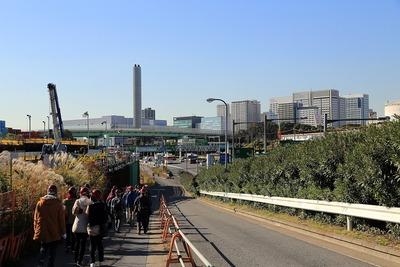 東京港トンネルへの道