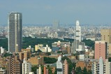 文京シビックセンターから見たホテルソフィテル東京方面