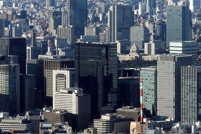 東京スカイツリーから見た大手町タワー(アマン東京)
