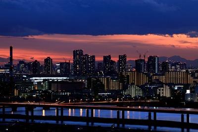 東雲のタワーマンション群と夕景