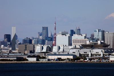 東京ゲートブリッジから見た東京タワー