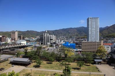 舞鶴城公園から見る甲府の街並み