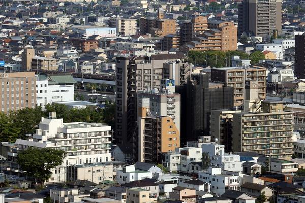 群馬県庁から見たブリリアタワー前橋の建設地方面