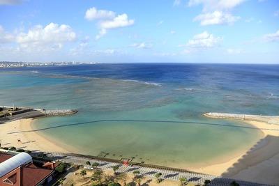 ザ・ビーチタワー沖縄から見たサンセットビーチ
