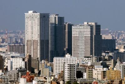 文京シビックセンターから見た南千住のタワーマンション群