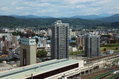 マリオスから見るD'グラフォート盛岡駅前タワーズ