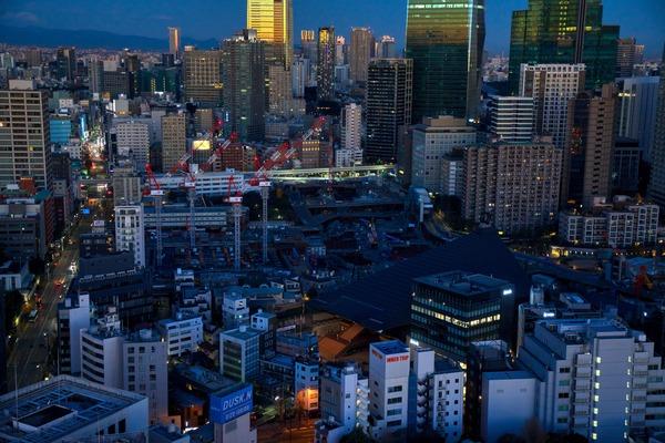 東京タワーから見た夜明けの虎ノ門・麻布台プロジェクト
