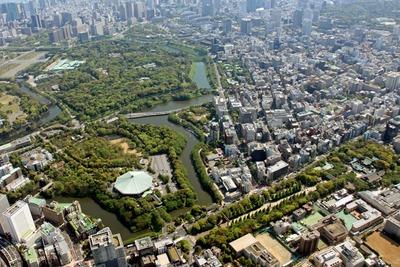 武道館、皇居、靖国神社の空撮