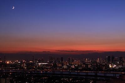 東京トワイライトと三日月