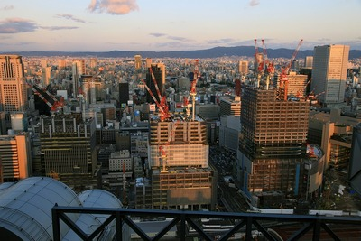 梅田スカイビルから見たグランフロント大阪