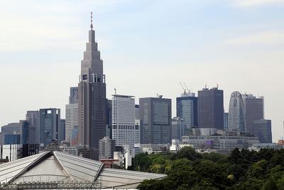 国立競技場バックスタンドから見た新宿の超高層ビル群