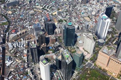 飛行船から西新宿八丁目成子地区と北新宿地区の再開発