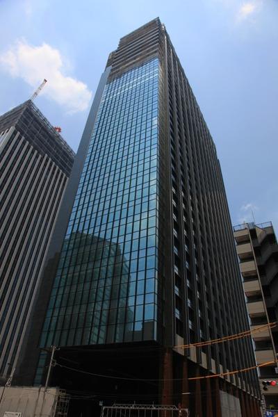 西新宿八丁目成子地区の再開発ビル