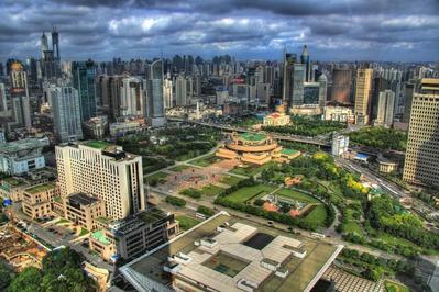 人民広場と上海超高層ビル群