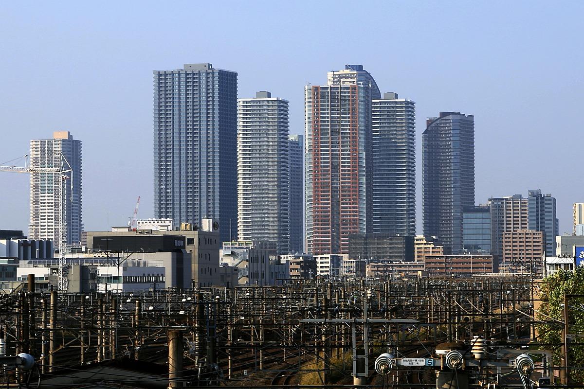 ワイ「なんじゃ…この駅前の発展具合これが大都会東京か…」 トッモ「あのさwここまだ立川やでw」