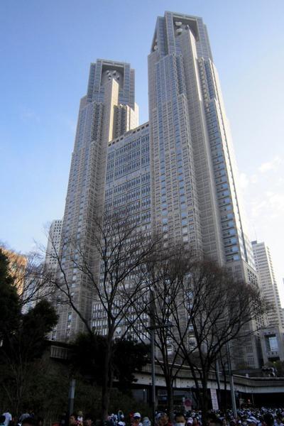 東京マラソンのスタート地点から見た都庁