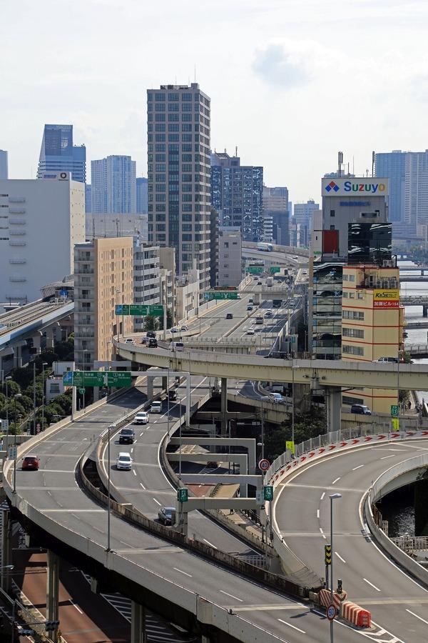 東京ポートシティ竹芝オフィスタワー スキップテラスから見た浜崎橋ジャンクション