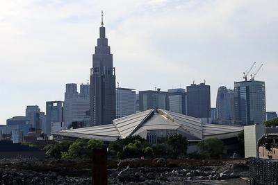 国立競技場から見た新宿の超高層ビル群