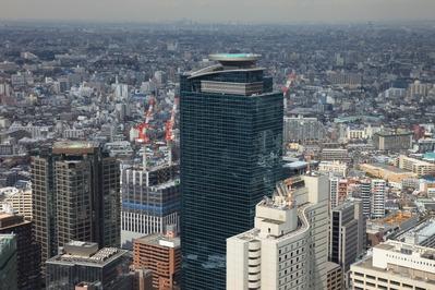北新宿地区と西新宿八丁目成子地区の再開発