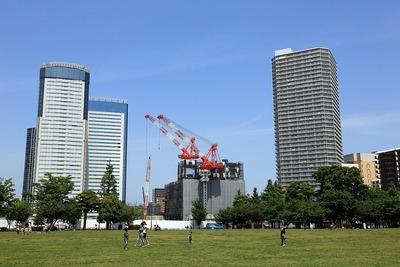 豊洲公園から見た豊洲シビックセンター