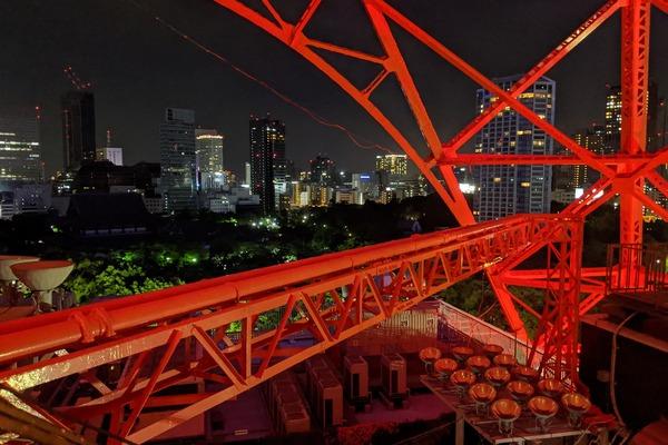 東京タワーのオープンエア外階段ウォーク
