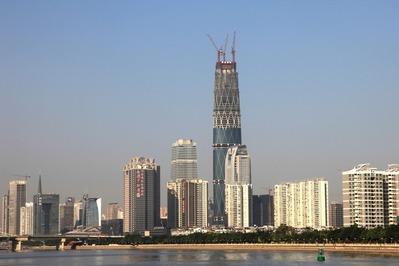 広州国際金融センターを含む超高層ビル群