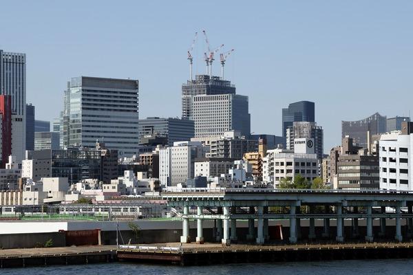 築地大橋から見た東京ミッドタウン八重洲