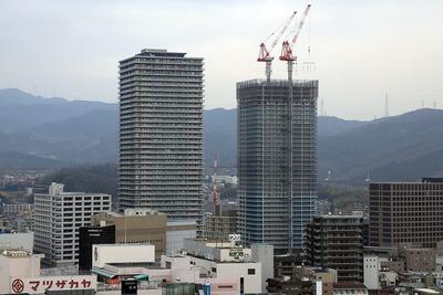 高槻市庁舎から見たジオタワー高槻