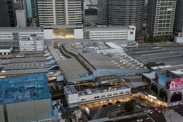 SHINAGAWA GOOS(シナガワ グース)から見た品川駅