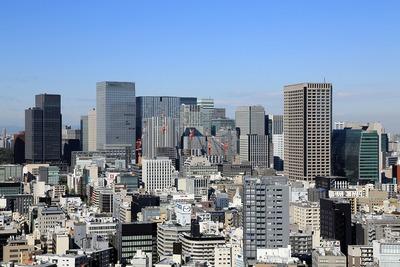 八重洲方面の超高層ビル群