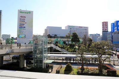 JR津田沼駅前