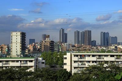 日吉神社前から見た武蔵小杉のタワーマンション群