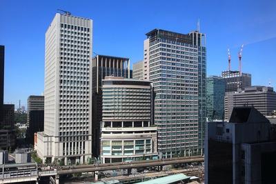 大丸東京から見た丸の内オアゾの超高層ビル群
