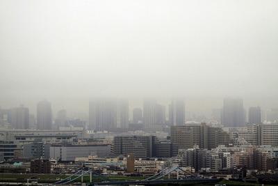雲に隠れる東雲