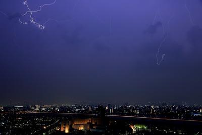 江東区上空の雷