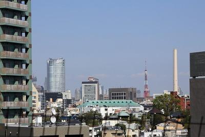 目黒天空庭園から見た六本木ヒルズと東京タワー