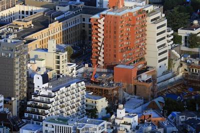 六本木ヒルズから見たグランスイート麻布台ヒルトップタワー
