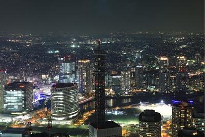 横浜ランドマークタワーからポートサイド地区方面の夜景