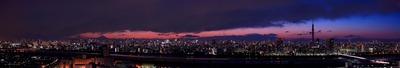 節電中の東京夕景