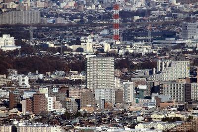 高尾山から見たビュータワー八王子