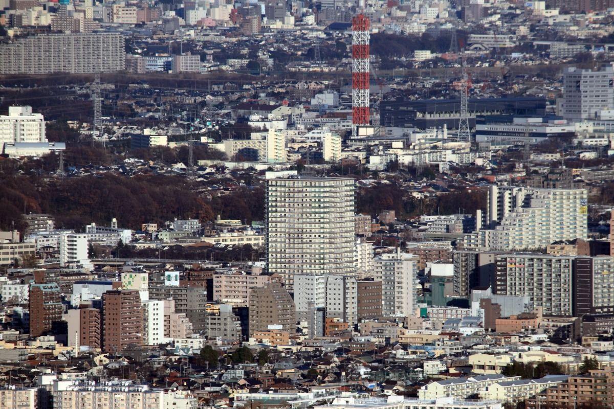高尾山から見た八王子 : 超高層マンション・超高層ビル