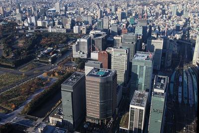 丸の内・大手町方面の超高層ビル群の空撮