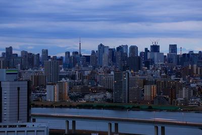 夜明け前の東京タワー方面