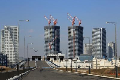 豊洲大橋とドゥ・トゥール(DEUX TOURS)