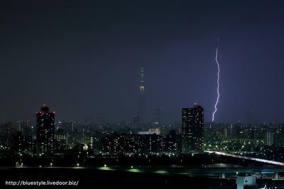 東京スカイツリー近くに落雷