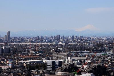 ハーモネスタワー松原から川口・富士山方面の眺め