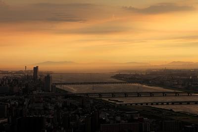 梅田スカイビルから見た淡路島方面の夕景