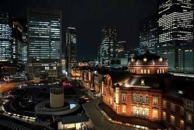 KITTE(キッテ)の屋上から見た東京駅丸の内駅舎の夜景