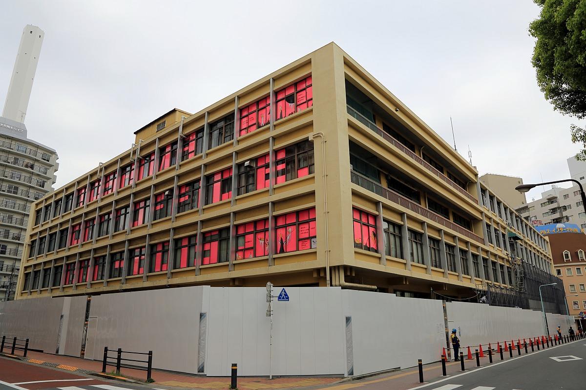 豊島区旧庁舎・豊島公会堂の解体工事開始(2016.4.16) : 超高層 ...