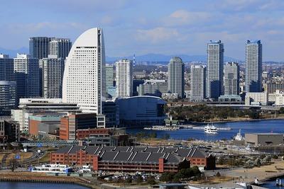 横浜マリンタワーから見たインターコンチとポートサイド地区